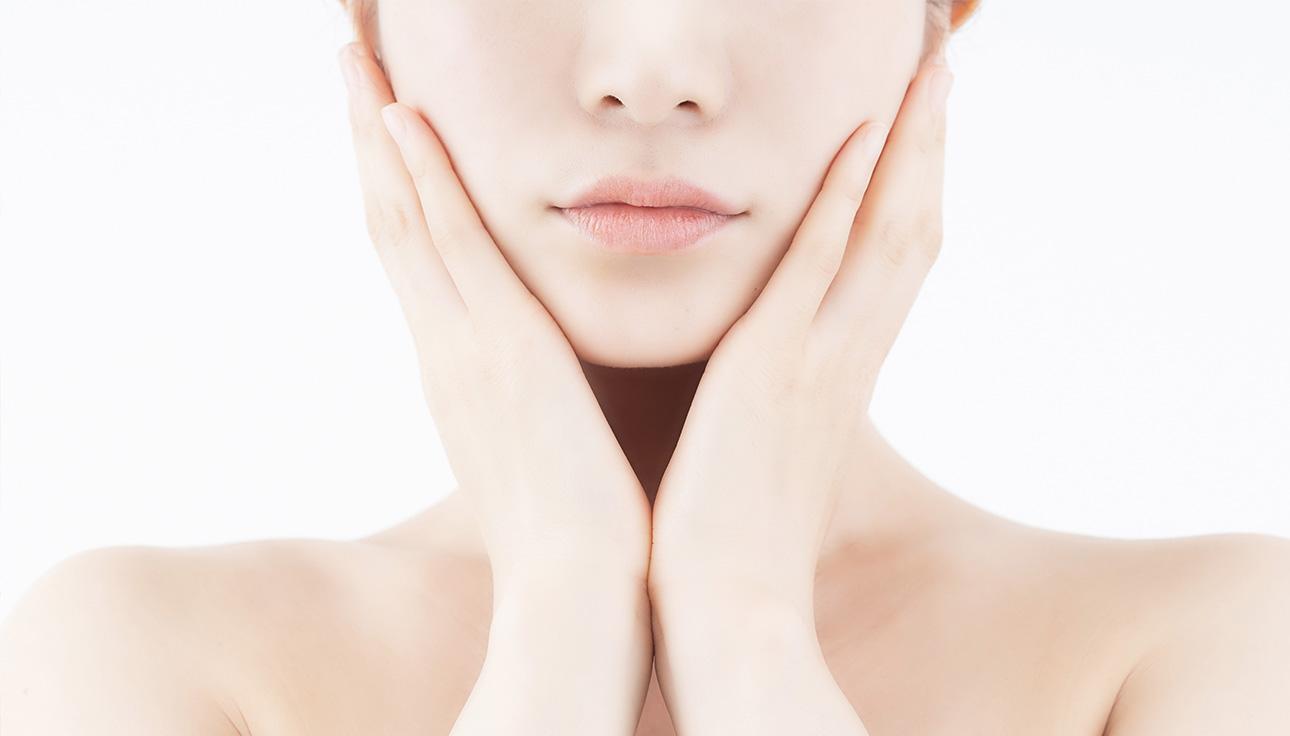 お顔に約100本の鍼を使用する効果に特化した当院独特の 技術